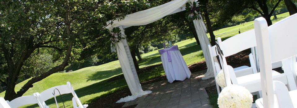award winning outdoor wedding ceremony location in ann arbor